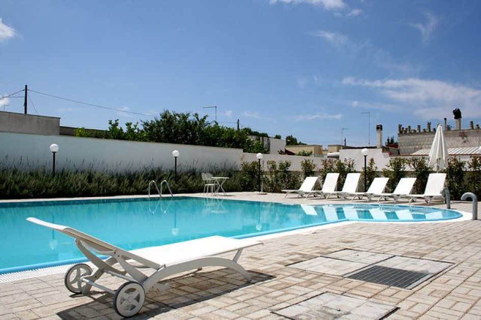 First floor apartment with swimming pool in santa maria al - Hotel a santa maria al bagno italia ...