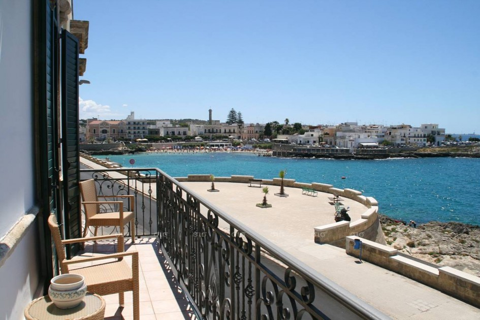 Seafront period palazzotto for sale in Italy, Puglia - SIS Property ...