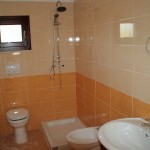 Borgo Cenate second bathroom: villas by the sea for sale in Puglia