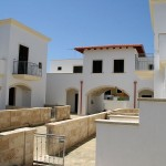 Borgo Cenate garden gate: villas by the sea for sale in Puglia