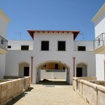 Borgo Cenate drive path: villas by the sea for sale in Puglia