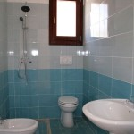 Borgo Cenate bathroom: villas by the sea for sale in Puglia
