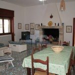Luxury seafront villa for sale in Italy: entrance hall